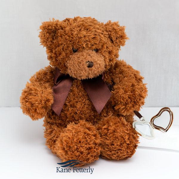 U5000 Teddy bear urn with heart locket
