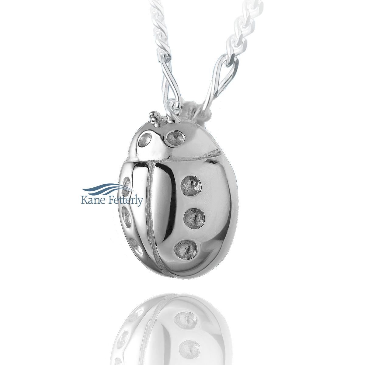J0107 Ladybug pendant in sterling silver