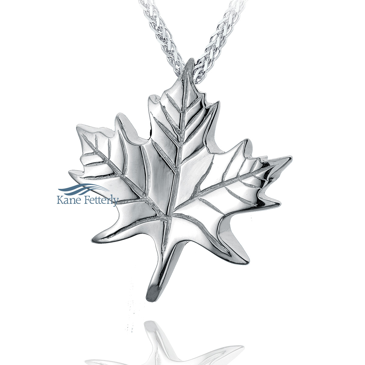 J0146 Maple leaf pendant in sterling silver