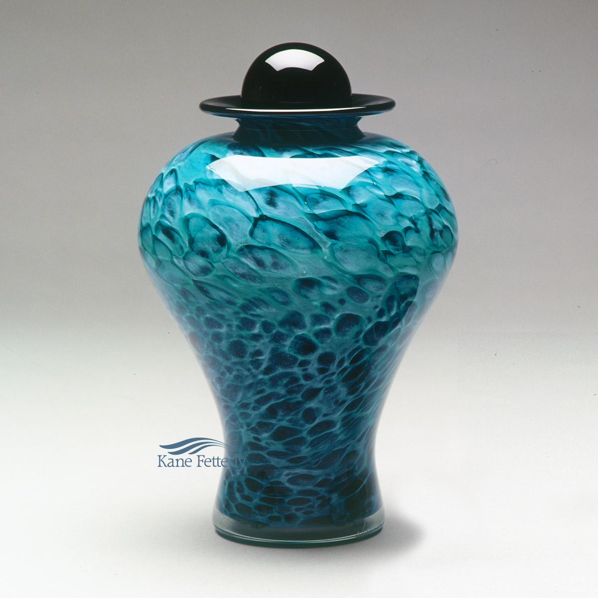 U8220EG Hand-blown glass urn