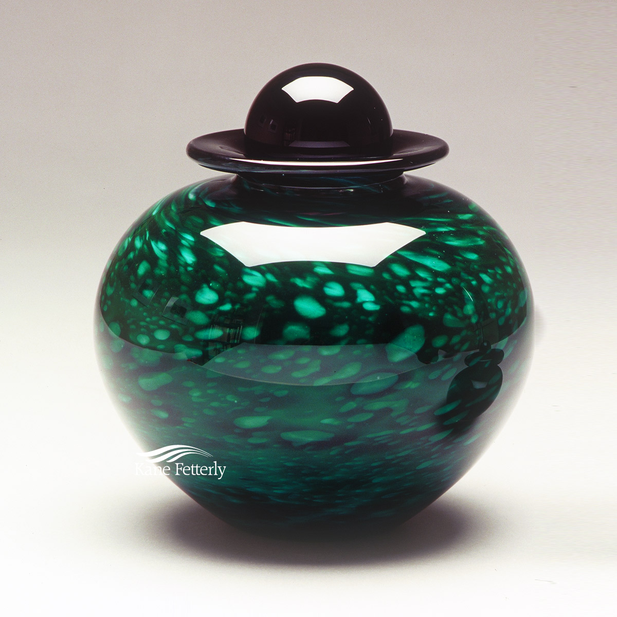 U8210FG Hand-blown glass urn
