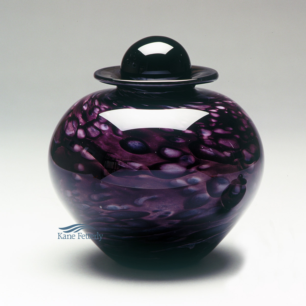 U8210PR Hand-blown glass urn