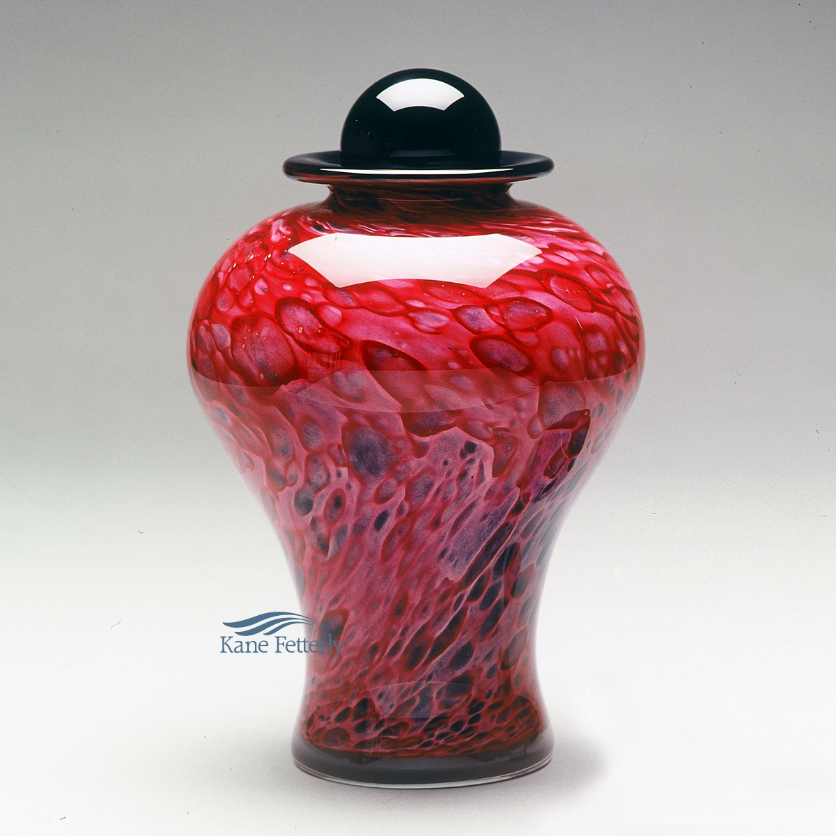 U8220RP Hand-blown glass urn