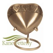 Gold heart with engraved floral motifs