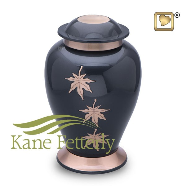 U8711 Brass urn with leaves