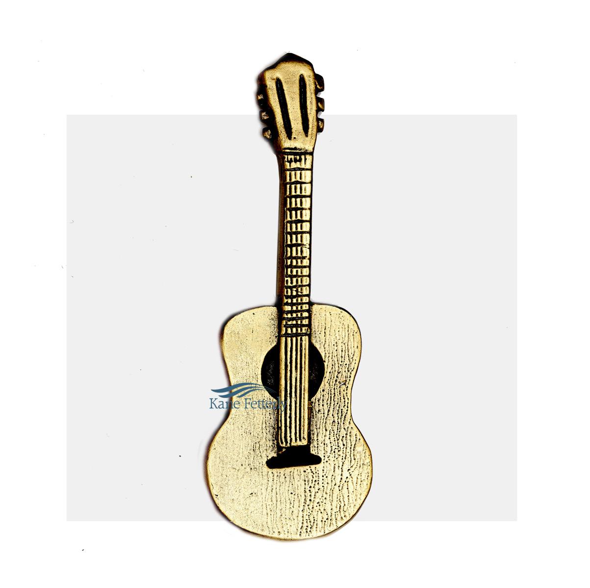 A0326 Guitarre - ornement pour urne