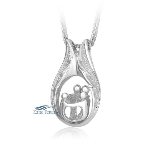 Cremation pendant featuring two parents and two children.