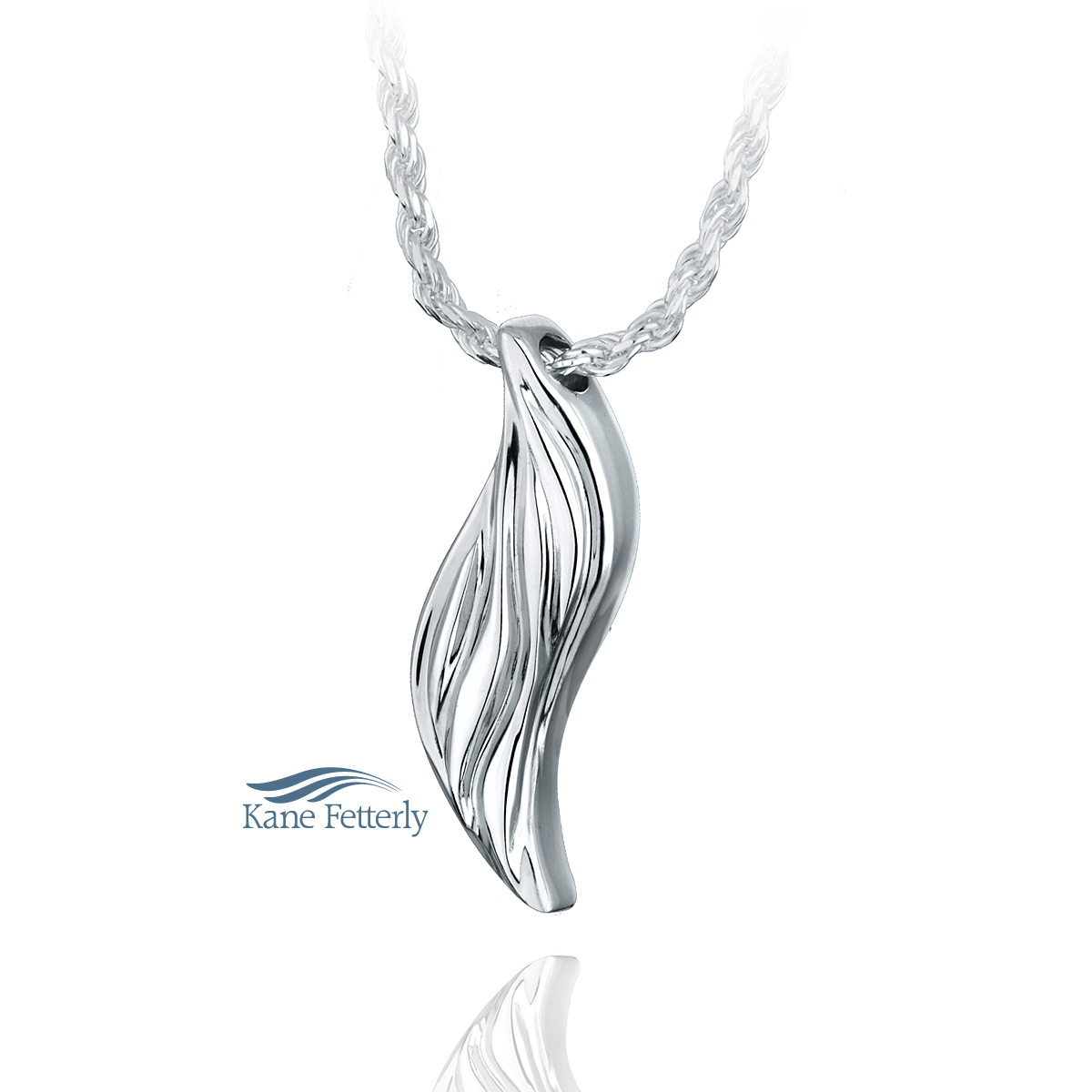 J0137 Leaf pendant in sterling silver
