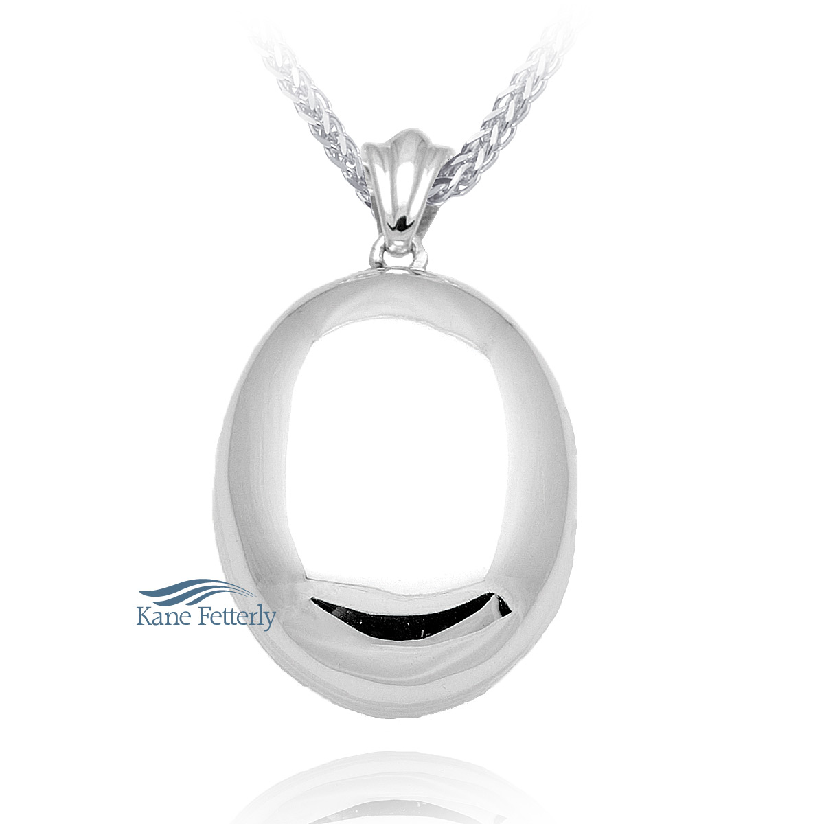 J0147 Oval pendant in sterling silver