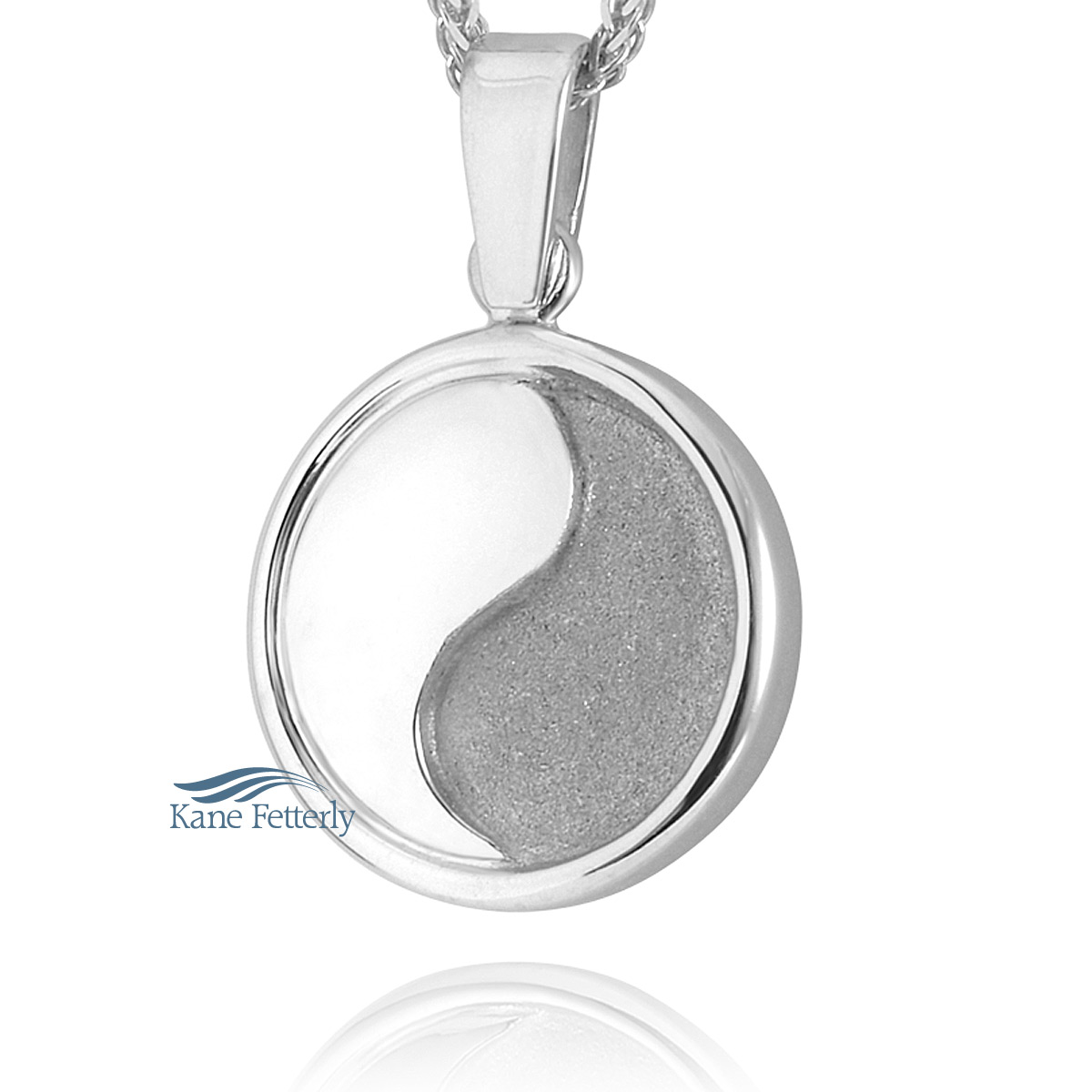 J0184 Round pendant in sterling silver