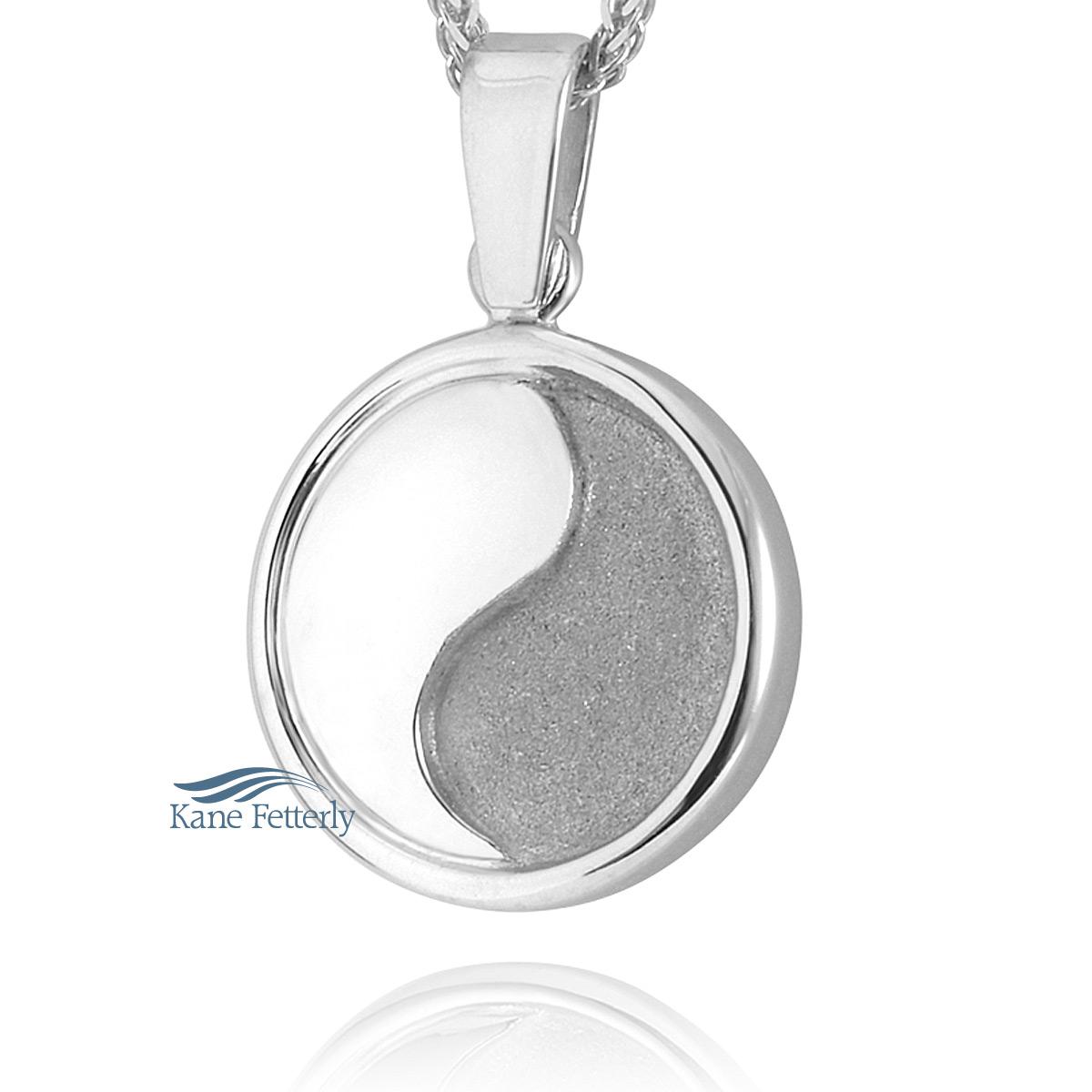 J0184 - Pendentif rond � motif Yin & Yang