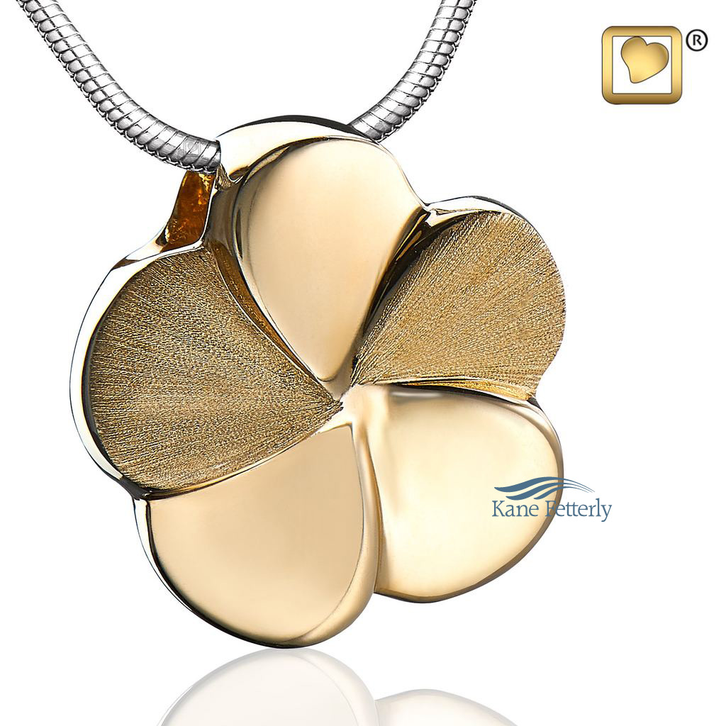 J0268 Flower pendant in gold vermeil
