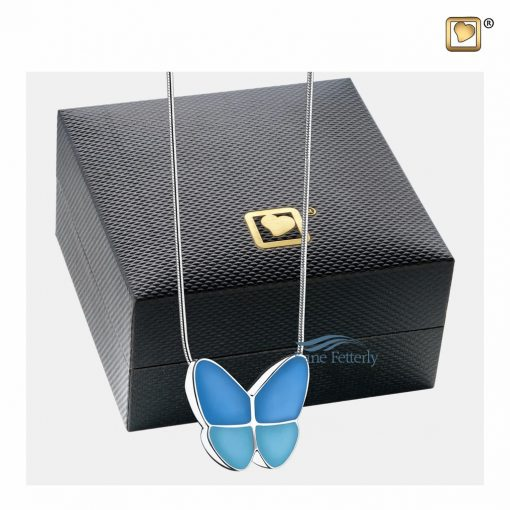 Cremation pendant delivered in a jewelry box
