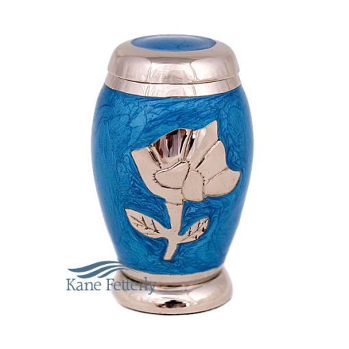 Urne miniature en laiton blue à motif de rose argentée