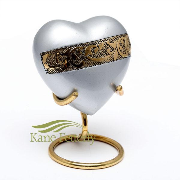 U8694H Brass heart miniature urn