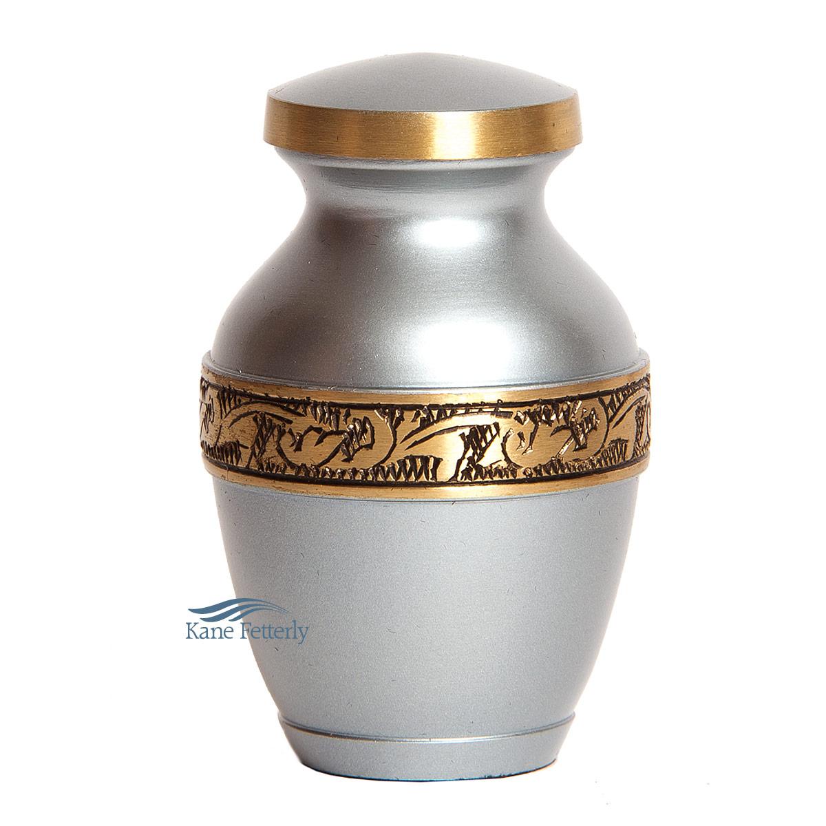 U8694K Urne miniature en laiton