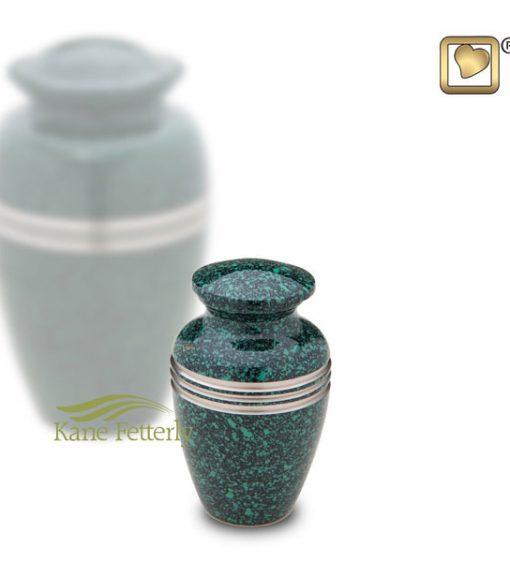 U8733K Urne miniature en laiton